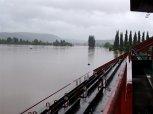 Dostihové závodiště - voda se dostala až na tribunu ... foto: Jan Zágler