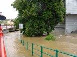 Voda už dosahuje téměř k podchodu pod ul. Strakonická ... foto: Jan Zágler