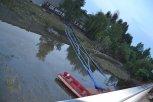 U propustí pod ul. Strakonická voda neměla kam dále odtékat - čerpání vody do Vltavy ... foto: Pavel